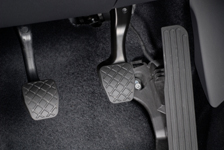 Brake Pedal Goes To The Floor When Pressed – Auto Repair Help